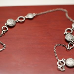 """Gorgeous 16""""  Silver Necklace"""
